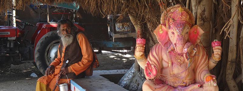 Voyage en Inde : Saddhu Indien et Ganesh