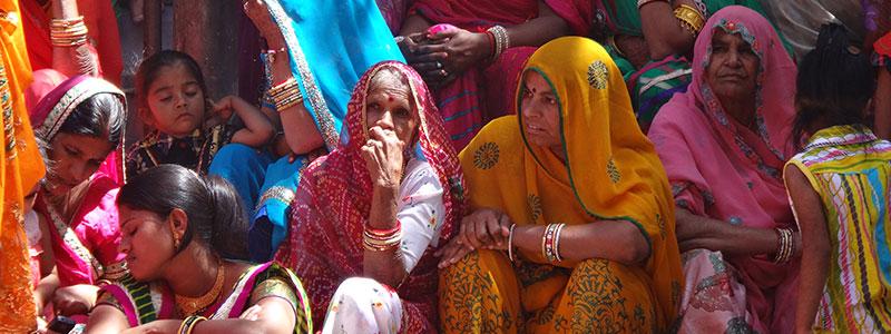 Voyage en Inde : Femmes Indiennes en Sari Traditionnel